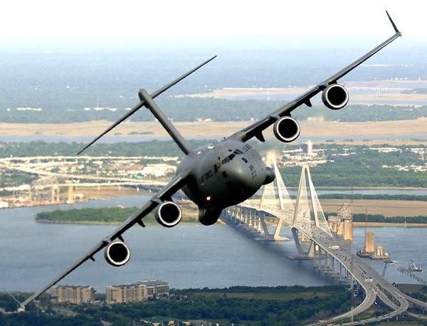 Un avion militaire américain s'abîme en mer des Philippines avec 11 personnes à bord