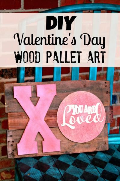 DIY Valentine's Day Wood Pallet Art