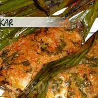 Ikan bakar – grilled fish in banana leaves
