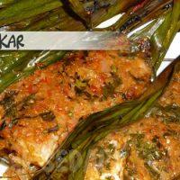 Ikan bakar – grilled fish in bananaleaves