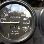 教習車が9万5千キロです。 まだまだ乗るみたいですよ〜  と、言う事でフロントフォークのシール交換です(^ー^)ノ