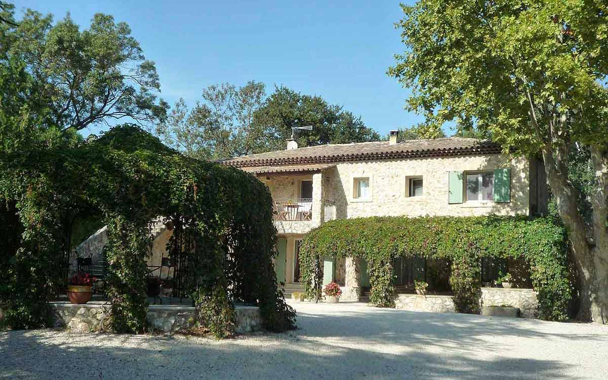 Mas De L Ile Bed And Breakfast In Avignon With Swimming Pool