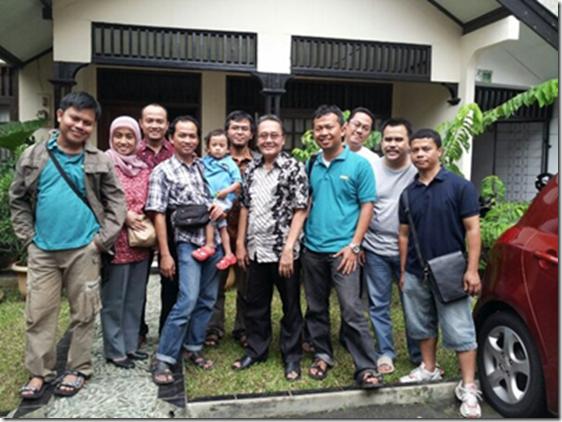 bloggor bersama pak prof. Sjafri