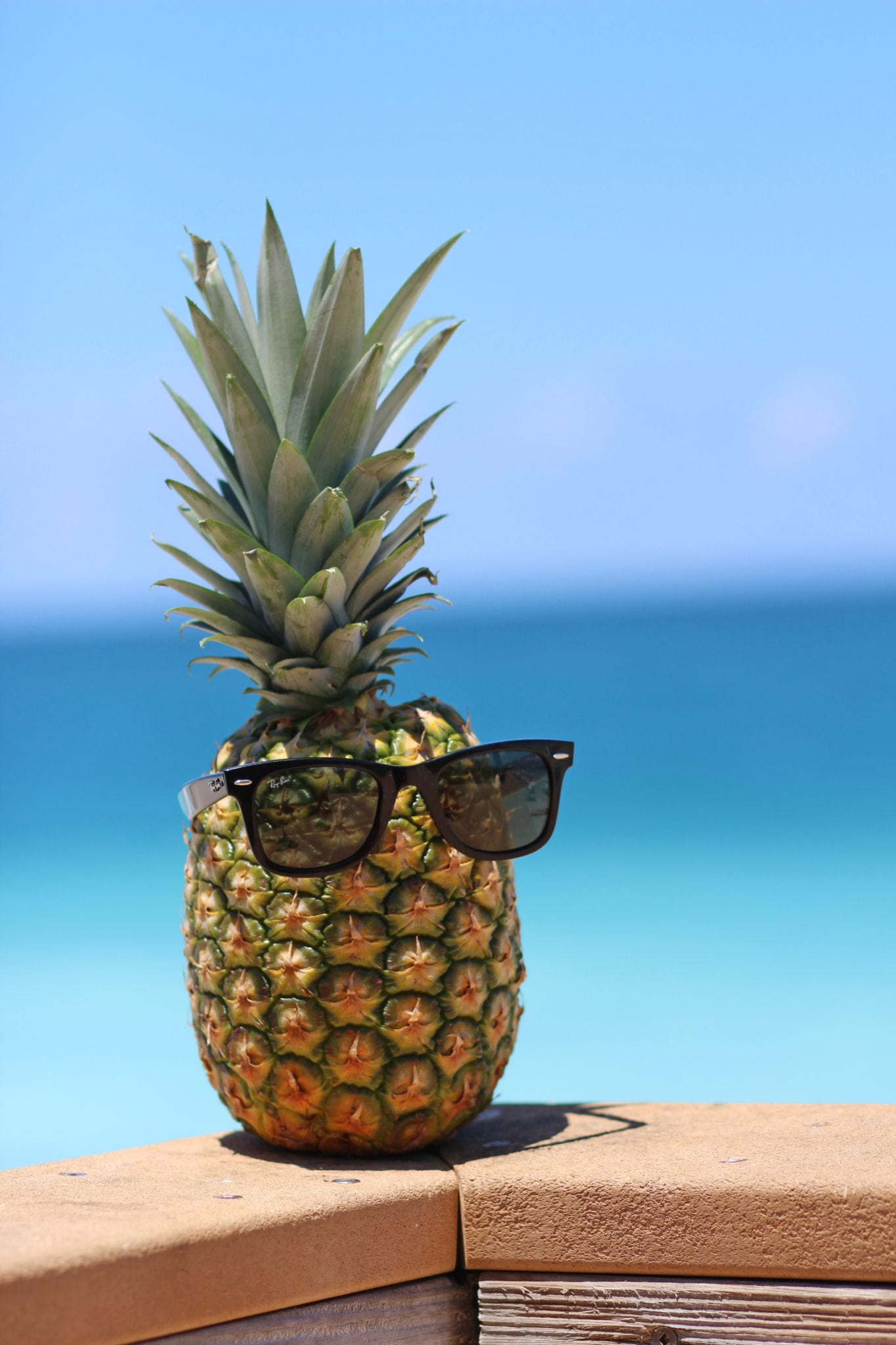 Cute Pineapple Iphone Wallpaper The Perfect Summer Vacation Dress Mash Elle