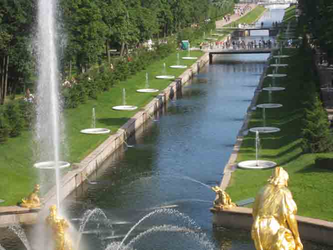 petersburgfountains.jpg