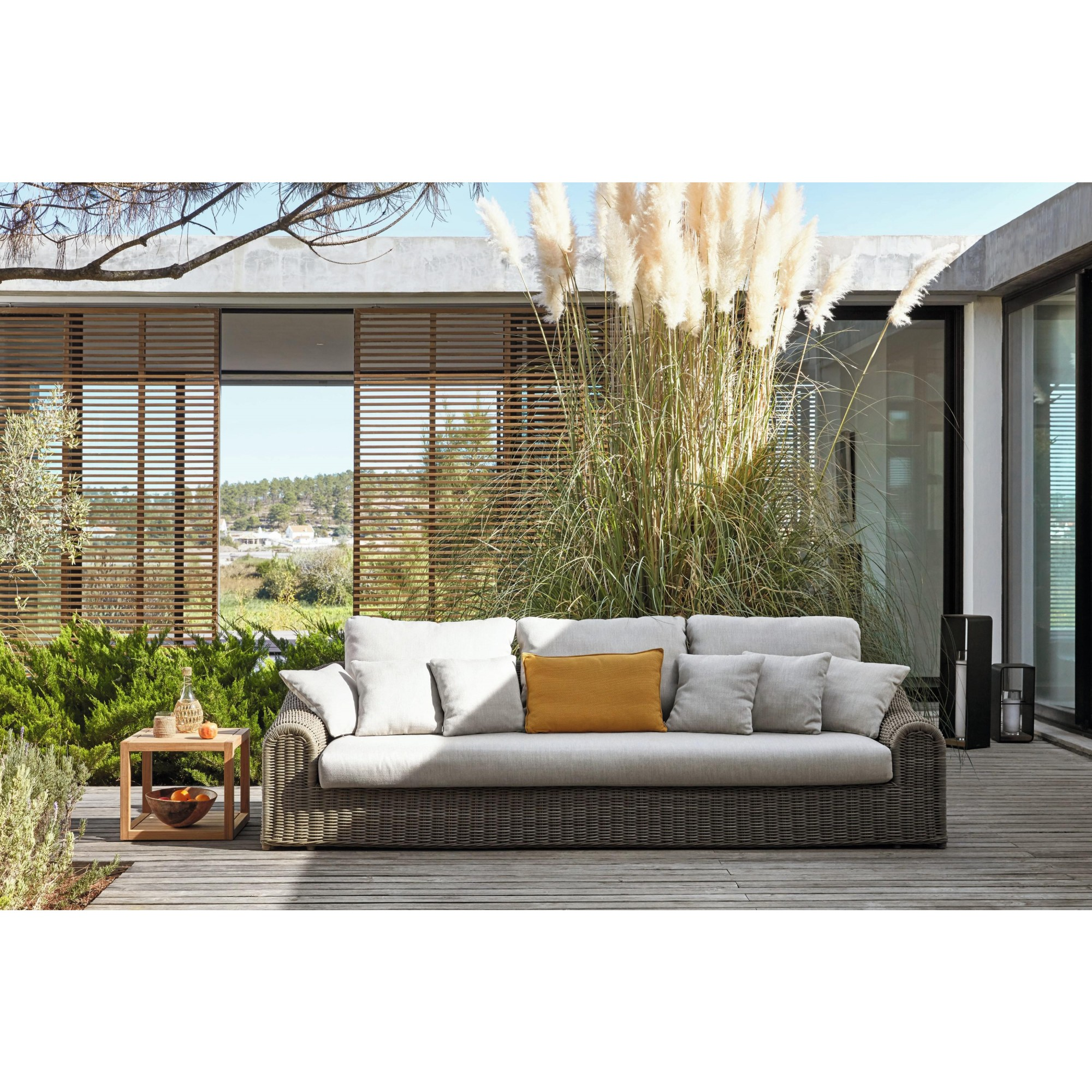 River Sofa Linear Sofas Armchairs And Sofas Manutti Masonionline