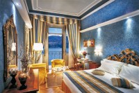 Top 10 Bedrooms of Italian Luxury Hotels  Master Bedroom ...