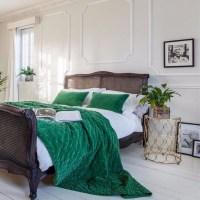 10 Stunnning Emerald Green Bedroom Designs  Master ...