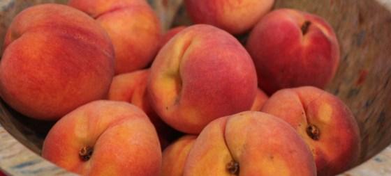 peaches-in-bowl