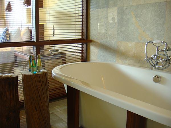 Komaneka Bisma 浴室