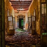 MatericLook: MossyCorridor - Italy Urbex & Art
