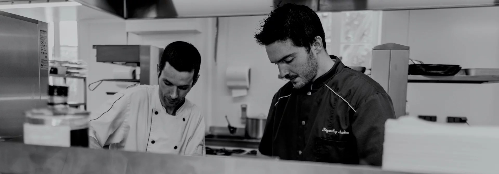 Cuisines Jean De Mathieu The Chef And His Team Mathieu Kergourlay