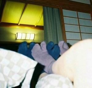BIGBANGのリーダーと小松菜奈の靴下写真