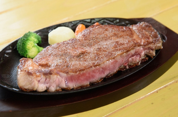 遠州夢咲牛のステーキ