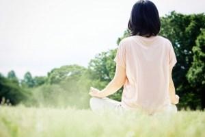 自然の中で瞑想