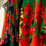 Haine de inspirație romă. 50% din vânzări merg către creatorii romi, care contribuie la colecția Meșteshukar ButiQ