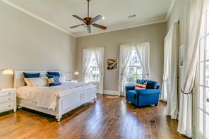 Property for sale at 52 N Bay Boulevard, The Woodlands,  Texas 77380