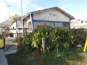 Property for sale at 411 Magnolia Boulevard, Magnolia,  Texas 77355