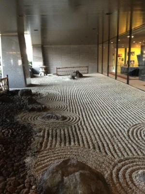 サッポロの株主総会会場の入り口横