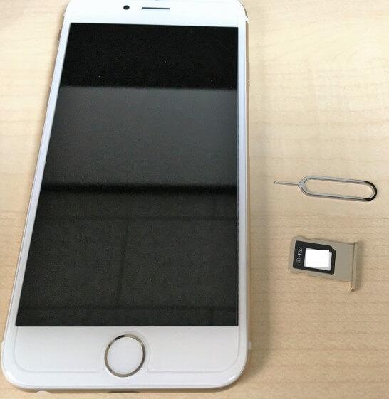 iPhone 6とmineoのSIMカード