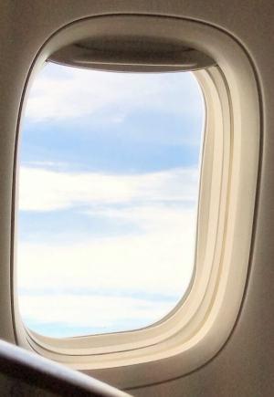 JALファーストクラスの窓の外の景色