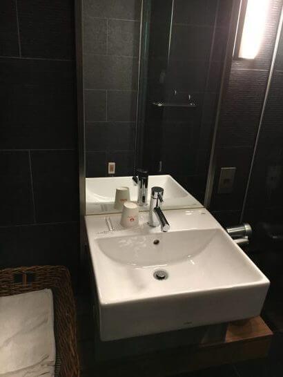 サクララウンジ(羽田空港)の洗面台・脱衣スペース