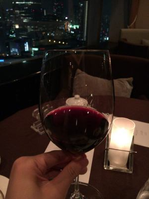 横浜ベイシェラトン ホテル&タワーズのベイ・ビューの赤ワイン