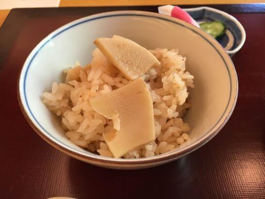 日本料理「はなの」の「なでしこ」の御飯(たけのこ釜飯)
