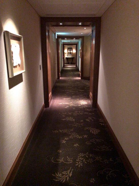 セントレジスホテル大阪の廊下