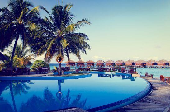 海外リゾートのプール