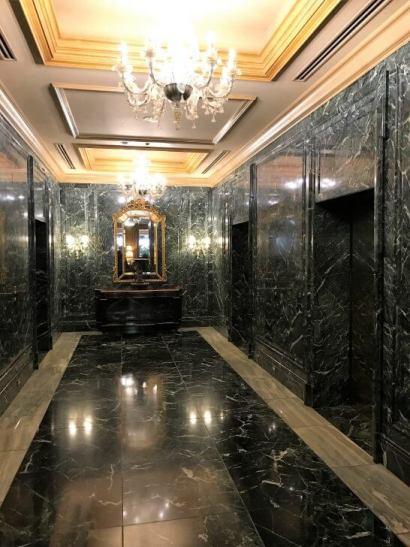 椿山荘のエレベーターホール