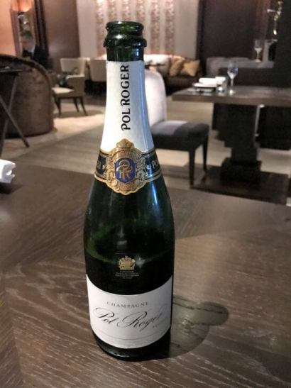 フォーシーズンズホテル丸の内 東京のMOTIFのシャンパン