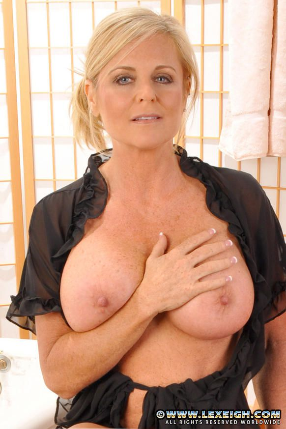 hot milf lexeigh