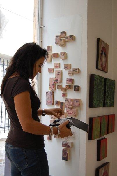 Pilar installing at L'Espace Mauricio Cordero