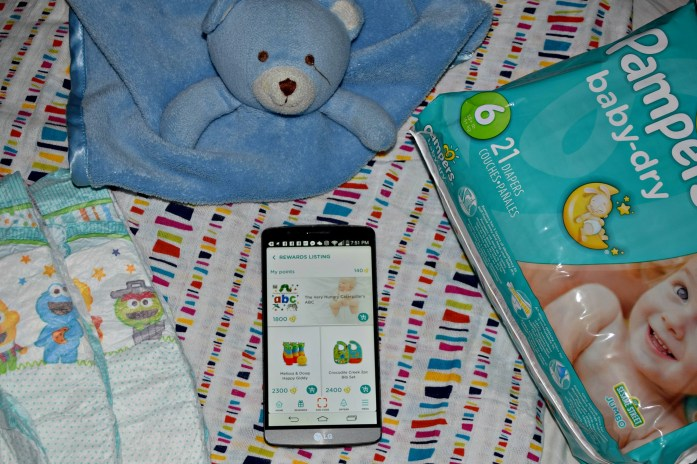 My latest #momhack is the Pampers Rewards App! And a Giveaway!