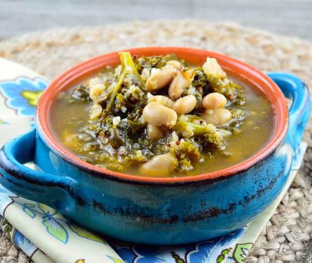 kale, quinoa and white bean soup