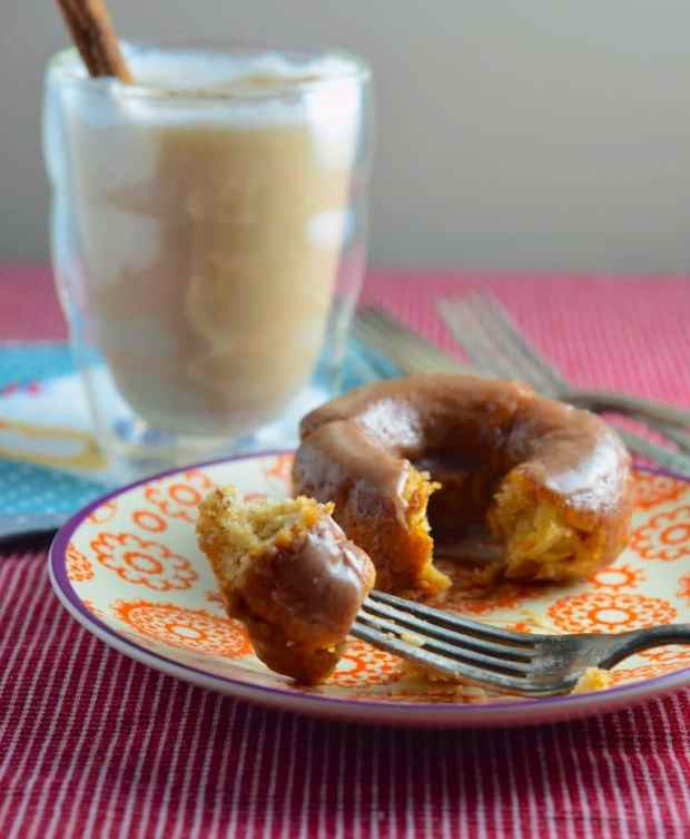 cinnamon, apple, donuts, donuts, baked, vegan, recipe, hanukkah