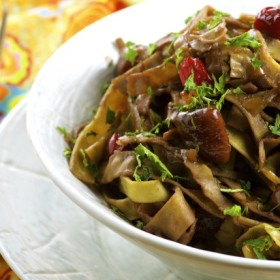 Edamame & Mung Bean Pasta With Caramelized Onions & Chestnuts - Vegan, gluten free, high fiber and high protein