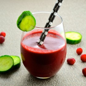 Start the new year right with this delicious detox smoothie