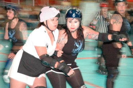 tucson-roller-derby-battle.jpg