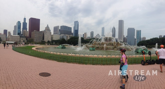 Chicago Buckingham fountain pano