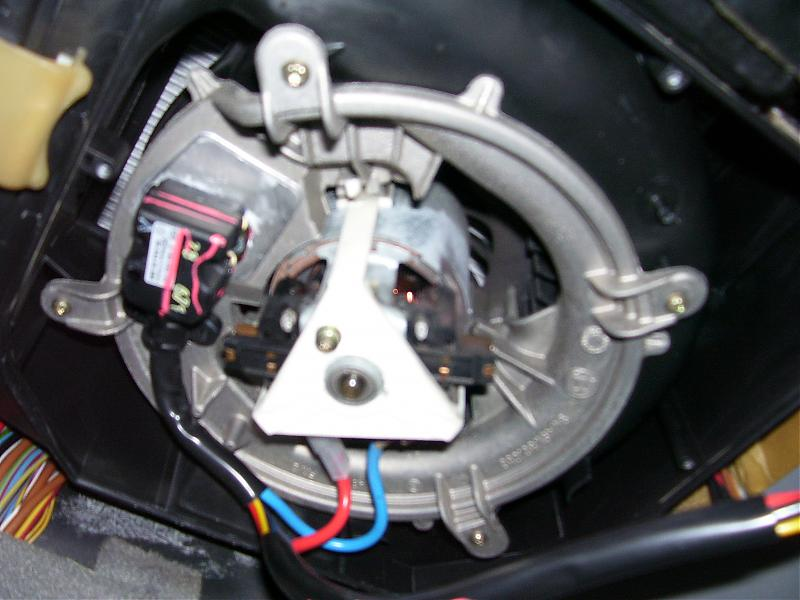 Early W210 Blower Motor Regulator Replacement DIY Here - MBWorld