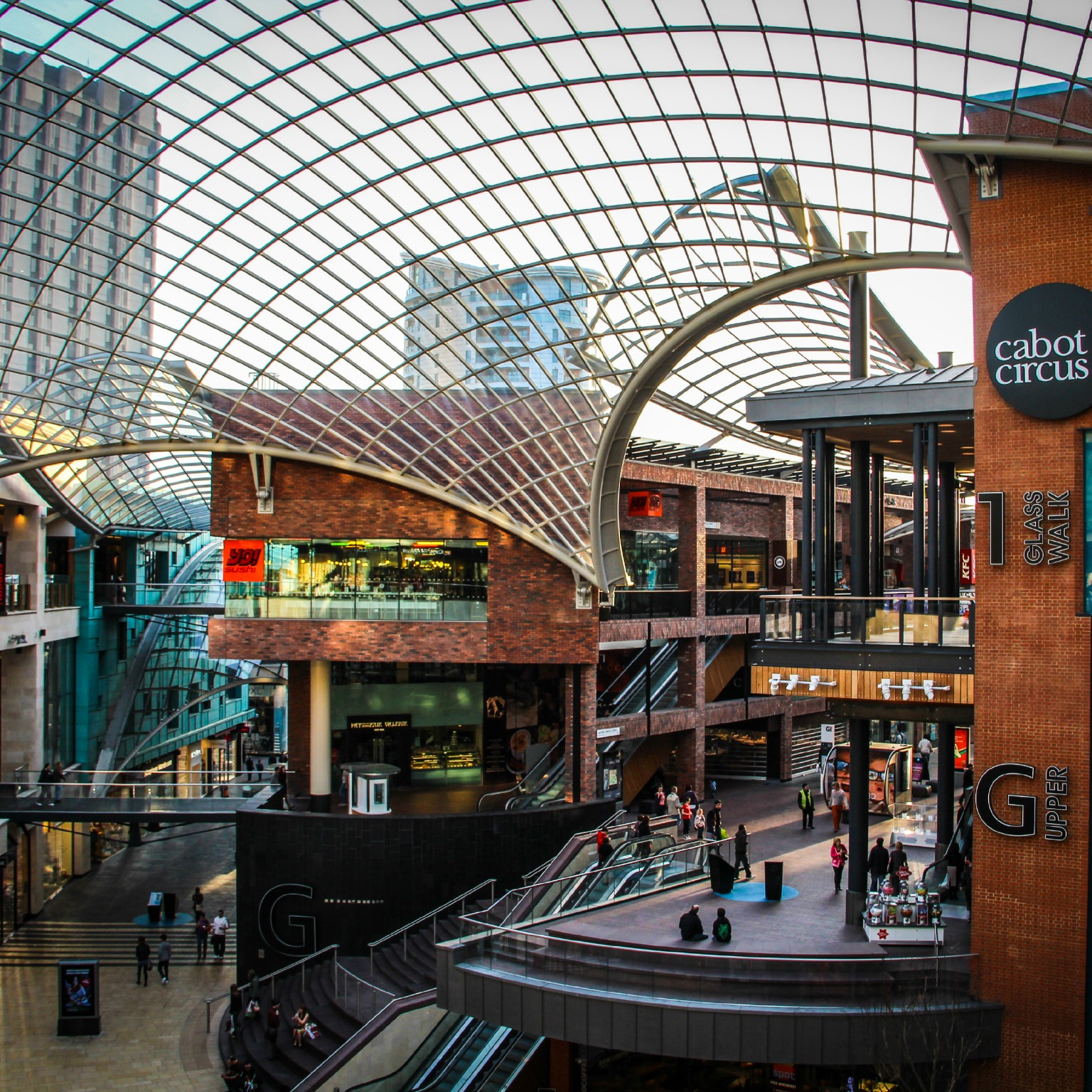 Centre Commercial Buld Air The Future Of The Shopping Mall Mckinsey And Company
