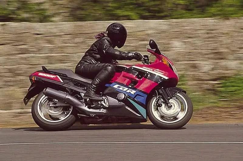 HONDA CBR1000F (1987-1997) Review Speed, Specs  Prices MCN