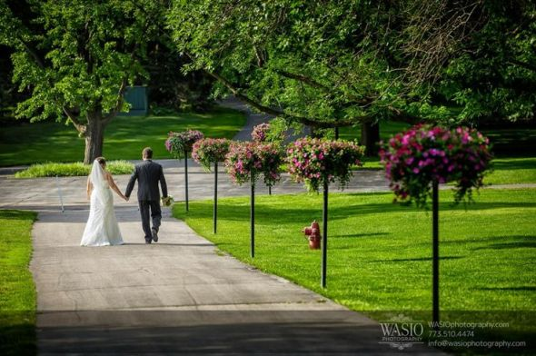 Top 10 chicagoland rustic chic wedding venues for Cantigny le jardin
