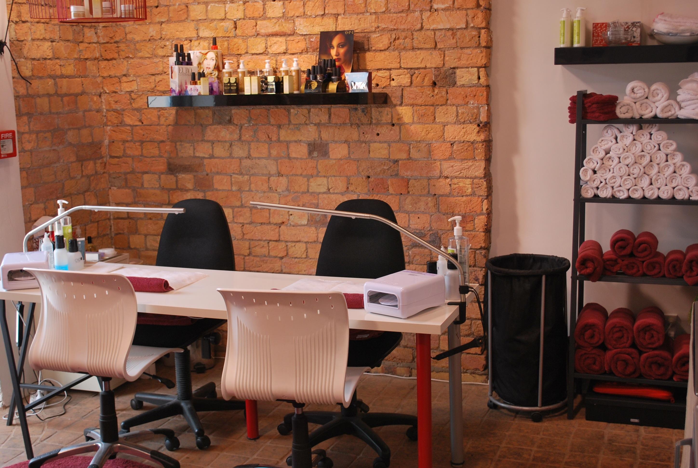 Nail Studio Ideas