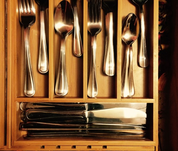 Product Review: The Beauty & Function of a Bamboo Cutlery Tray