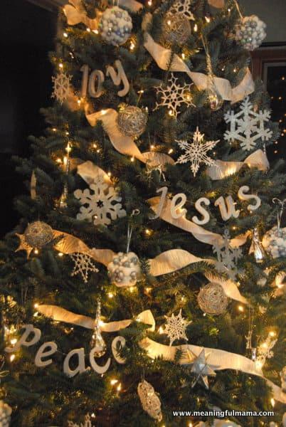 DIY Christmas Tree Word Decorations - christmas tree words