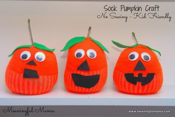 Sock Pumpkin Craft - This is a no sew craft that is great for kids of all ages. Minimal supplies and minimal mess but lots of fun. Meaningful Mama.