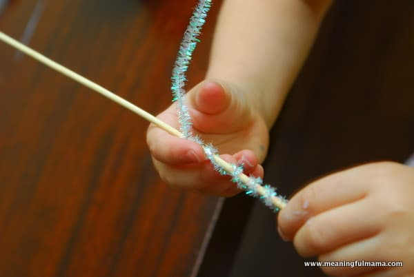 1-#snowflake craft #pipe cleaners #pom poms #kids-014